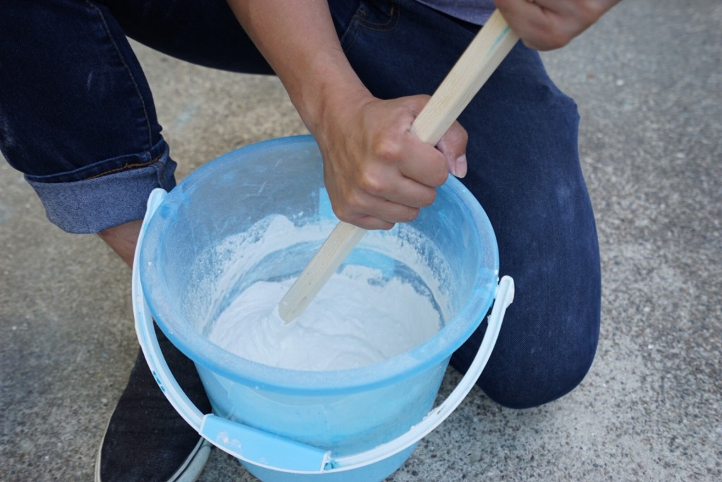 漆喰を練る